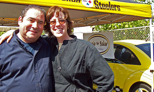 Emeril stops by Annie's booth